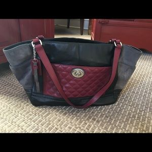 "Coach Handbag ""Carrie"" F24065 EUC Black Wine Gray"